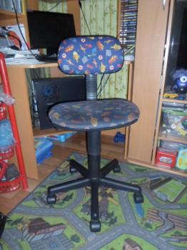Стол прямой с надстройкой и угловой стол и стул. - SAM_0010.JPG
