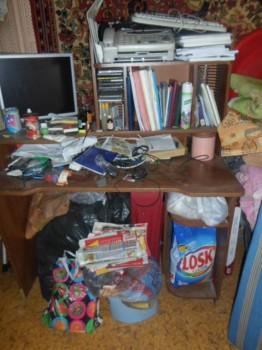 Стол прямой с надстройкой и угловой стол и стул. - SAM_0014.JPG